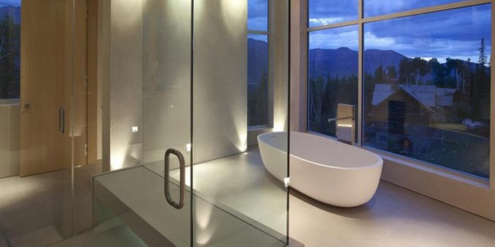 Bath tub overlooking the mountains